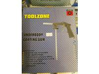 Underbody coating gun