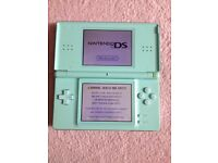 Nintendo DS Lite - Incl Games. Perfect condition