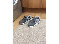 Nike Air max size 3 excellent condition
