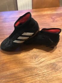Adidas preditor boots size 2.5