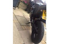 YAMAHA R125 - 2010 - £1650 ONO - *BUILT IN PHONE CHARGER*