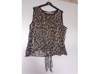 4 WOMENS TOP SIZE 10/12