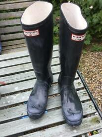 Ladies navy Hunter wellies size 5