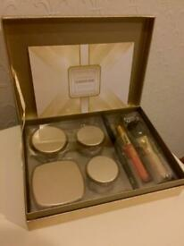 bareMinerals Glamour Now 7-Piece Face, Eye, and Lip Set. (Unused and in box)