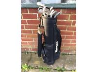 5x Golf bags with clubs