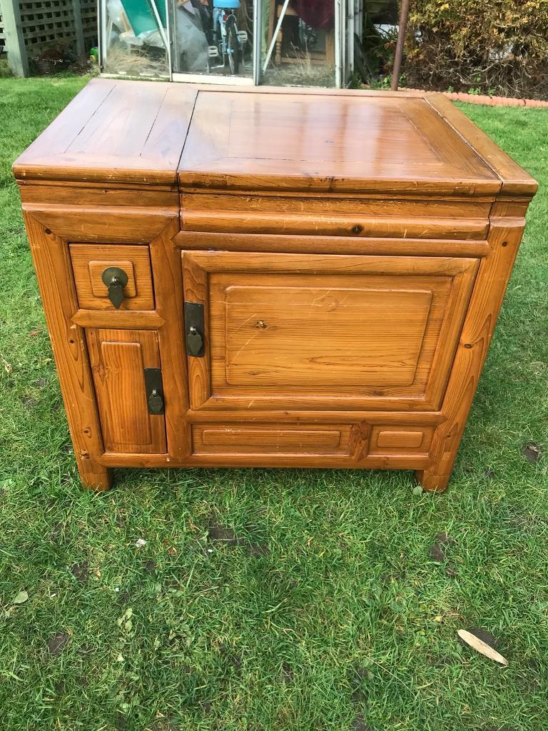 Old solid wood oriental chest ( can deliver )