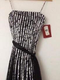 Black/white evening dress