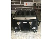 Delonghi 4 Slice Black Toaster