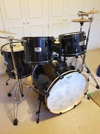 Pearl Export 5-piece (rock size) w/ cymbals etc.