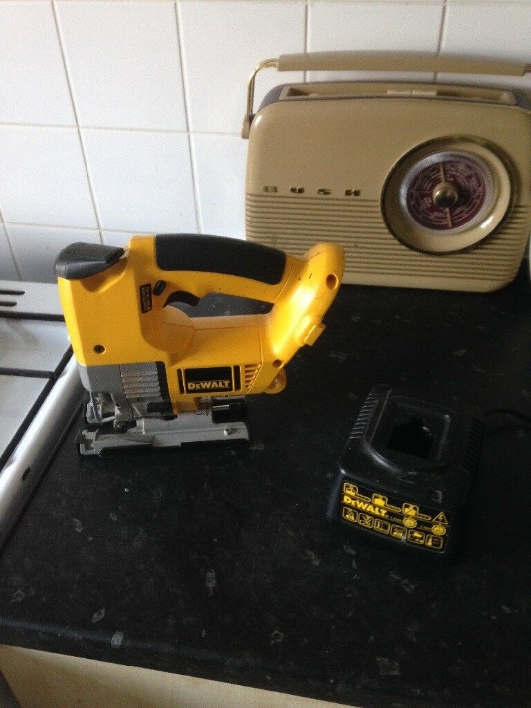 Dewalt dw933 18volt jig saw elements a day spa dewalt 18v jigsaw model dw933 in richmond london gumtree 86 1285999977 keyboard keysfo Gallery