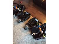 2 x Maxi cosi car seats and easyfix bases