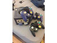 Nintendo Gamecube w/ 3 Pads and 2 memory sticks