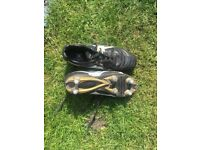 Gilbert rugby boots. Size 4 used for 1 season of rugby union. Metal studs few marks due to wear.