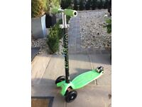 Maxi micro scooter green