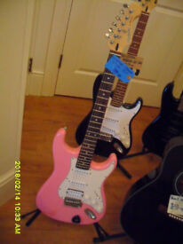 """CRAFTER. Its so unused its almost """"not used"""" Pink Crafter ST200 , Cruiser model. IT PLAYS WELL."""
