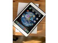 iPad Mini 3 - 16 GB - Silver - Immaculate