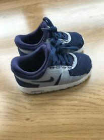 Nike air max shoes good condition size 7 toddler