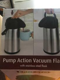 Pump Action Thermos Flask 2,2 L
