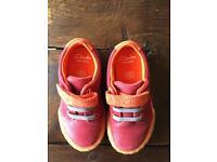 Shoes .. Clark's size 6.5f boys/unisex shoes