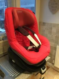 Maxi Cosi Family child seat and family fix Iso-fix base