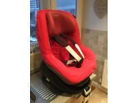 Maxi Cosi Family child seat and family fix Iso-fix base