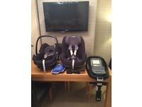Maxi Cosi Car Seat Bundle - Pebble Carrier, Pearl Seat and Isofix Family Base