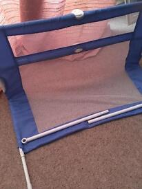 Bed guard for toddler