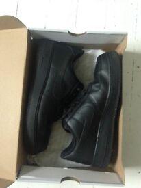 black nike Air Force one 8.5