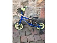 Small kids bicycle with stabilisers