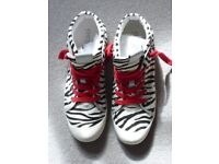 Great Geox canvas trainers with red laces and rubber soles