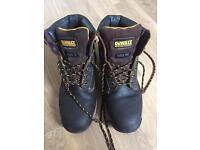 Dewalt industrial footwear Steel toe Size 8 (fits size 9)