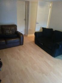 2 bed apartment near town centre