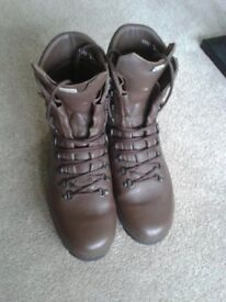 Altberg Defender Leather boots size 10 - 11m