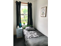 Lovely single room in Wednesbury, Move in today, No Deposit.