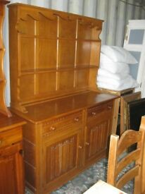 QUALITY SOLID LIGHT OAK 'WELSH DRESSER'. TOP DETACHABLE. VIEWING / DELIVERY AVAILABLE