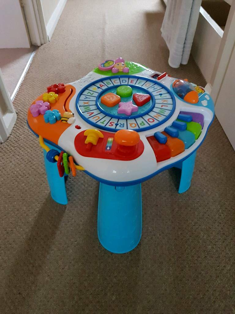 Baby activity table/centre