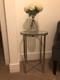 FOR SALE side/end table - glass top