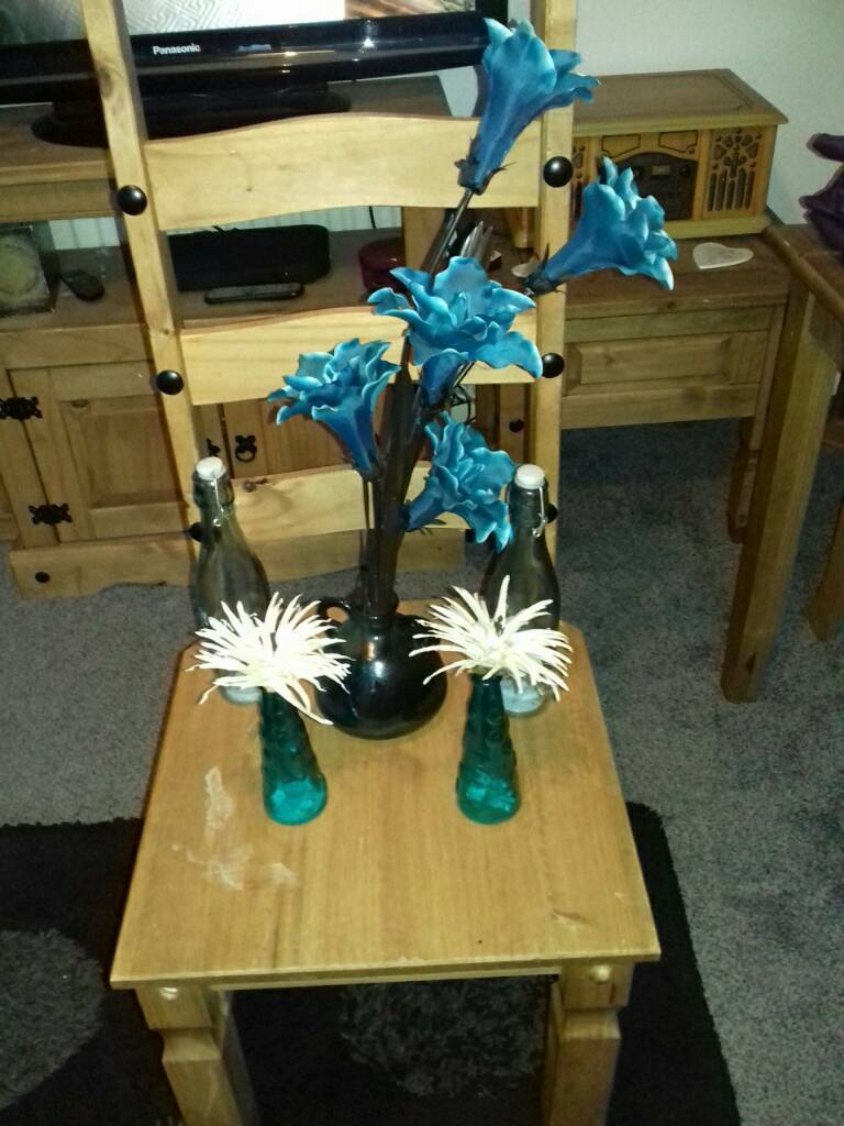Good condition blue teal items