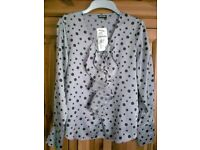 LADIES GERRY WEBER LONG SLEEVE SILVER GREY SPOT BLOUSE, UK SIZE 10, RRP £30, BRAND NEW WITH TAGS