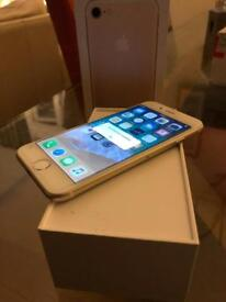 ** As New** IPhone 7 32GB - Gold - Unlocked ( Under Apple Warranty March 2019)