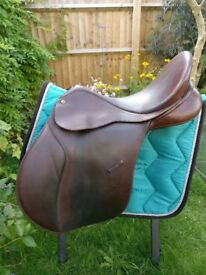 Bates Caprilli GP saddle, 17 inches, brown leather, flocked