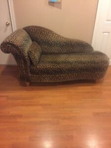 Sofa/love seat/lounger/chaise/fainting couch
