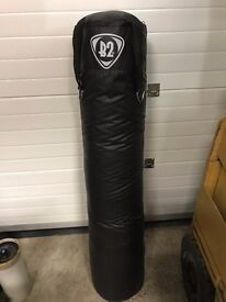 PUNCHBAG RDX 5FT WITH 2 SPEEDBALLS AND PLATFORM AND GLOVES AS PER PHOTOS