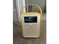 VQ retro mini - DAB radio alarm clock