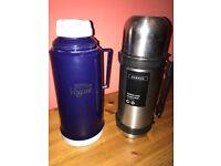 Two 1 litre vacuum flasks