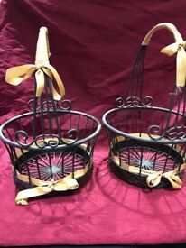 Set of 2 metal baskets - multiple possible uses