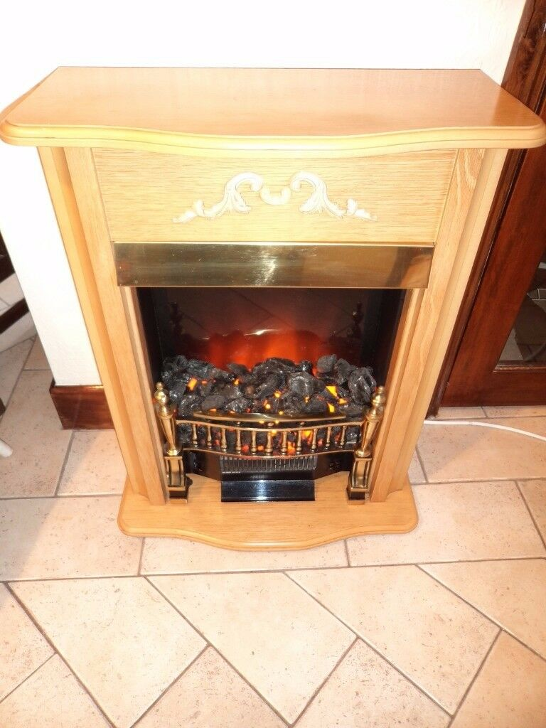Coal Flame Effect Electric Fire /Fireplace Pine Colour Wood Surround. Great Condition