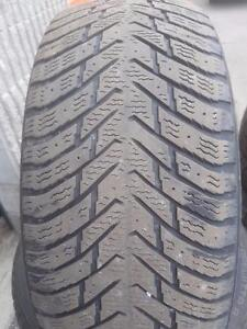 4 PNEUS HIVER - NOKIAN 215 55 17 - WINTER TIRES