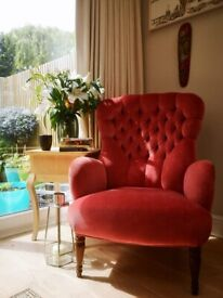 Armchair - Beautiful And Elegant With Button Back Detailing