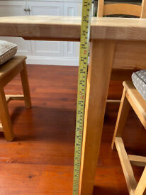 Extendable Oak Block Dining Table & 6 Oak Chairs With Seat Cushions